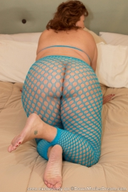 dawn-marie-bend-over-f003