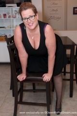 dawn-marie-black-kitchen-f004
