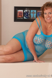 dawn-marie-blue-fishnet-f003