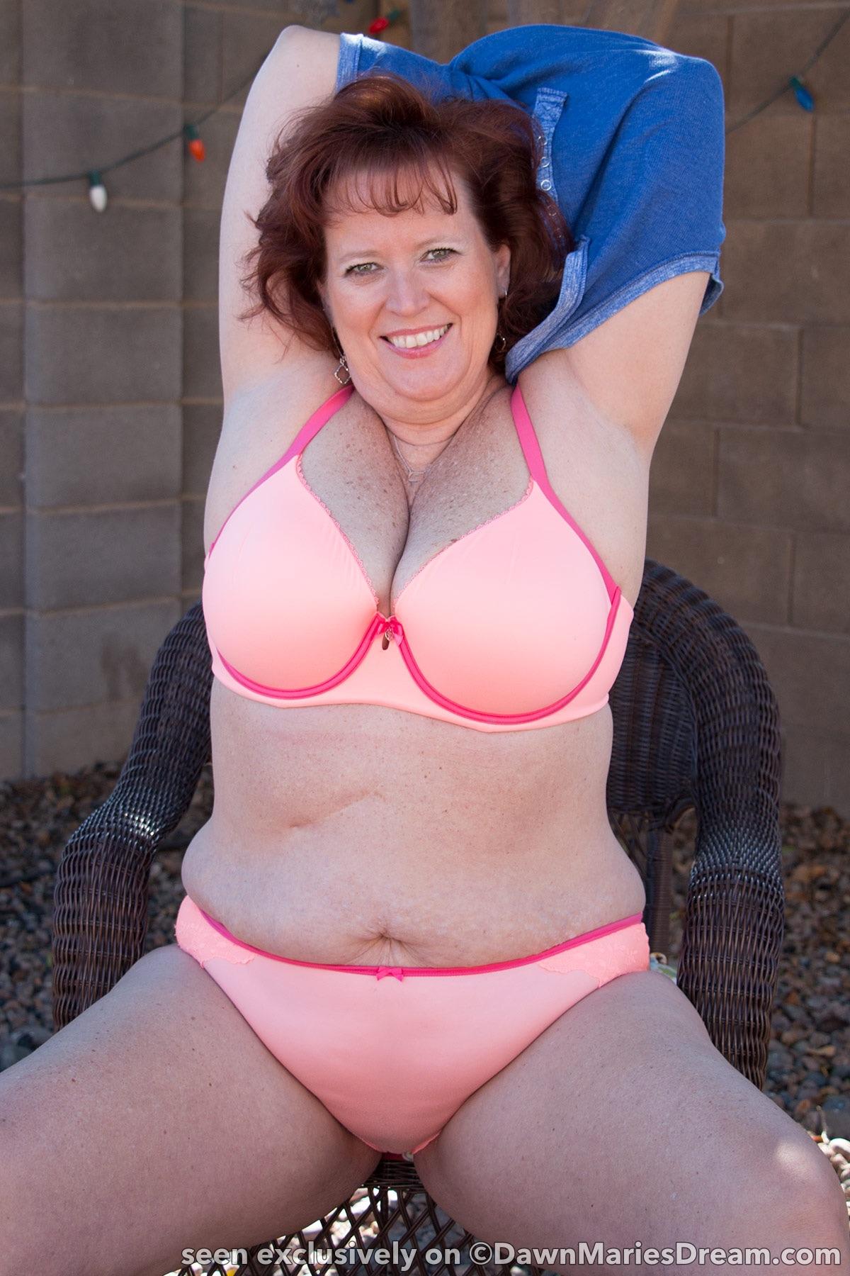 dawn marie shows her boobs