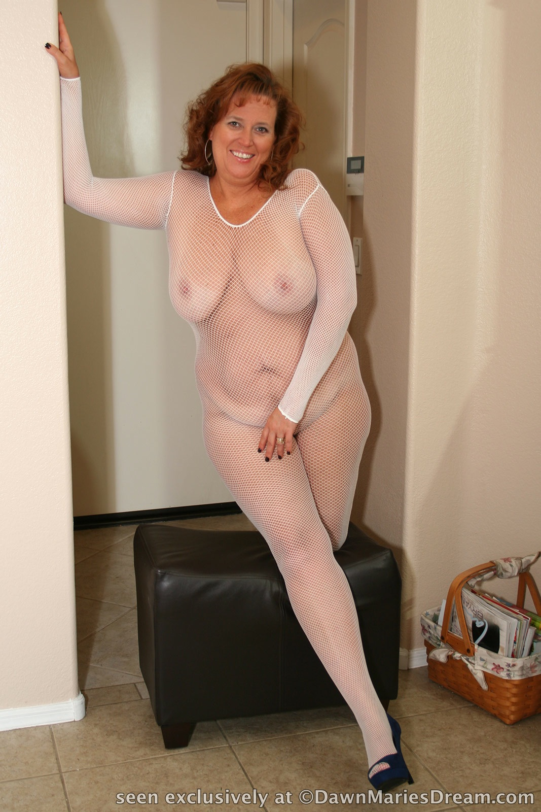 Hotel white stockings rendezvous 4